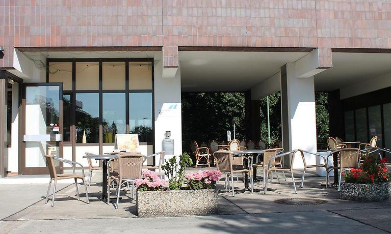 hotel grunewald berlin. Black Bedroom Furniture Sets. Home Design Ideas